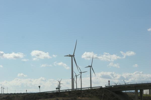 Współczesne hiszpańskie wiatraki.