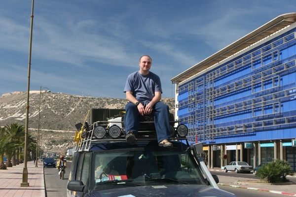 Agadir - kierowca na samochodzie.