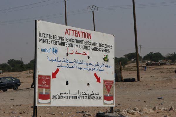Tablice ostrzegawcze - pola minowe.