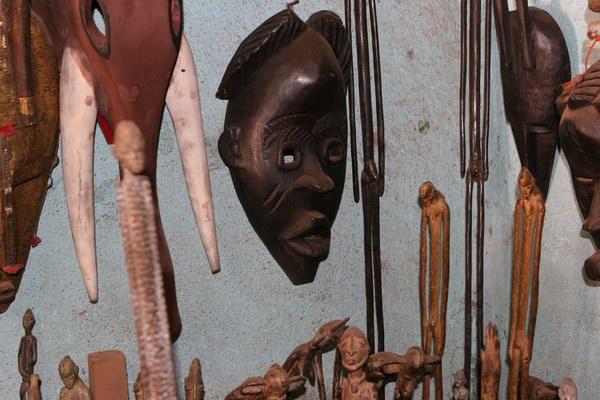 Bamako - bazar - dogońskie maski.