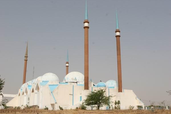 Kaolack - meczet ufundowany przez Saddam'a Hussein'a.